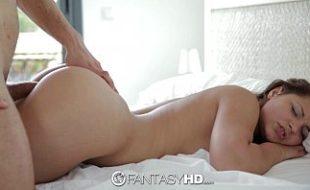 Sexo real metendo na buceta da gostosinha amadora