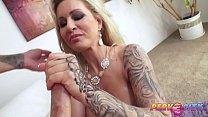 Porno caseiro loira bronzeada nua dando o cu