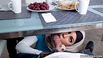 Mia khalifa se masturbando e filmando a buceta sendo fodida