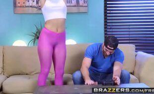Novinha safada dando para dois dotados em porno.doido