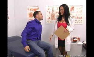 Sexo com medica tarada dando a buceta amadora